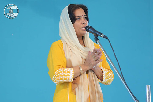 Devotion song by Sarita Pant, Nirman Vihar, Delhi