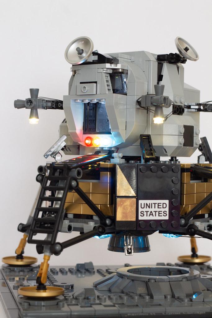 Game of Bricks Apollo 11 Lunar Lander Lighting Kit review