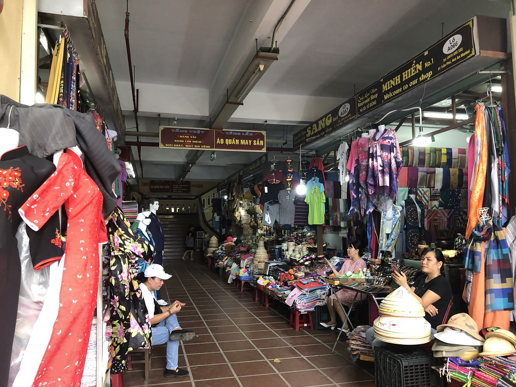 Clothing Market | Hoi An Tailors
