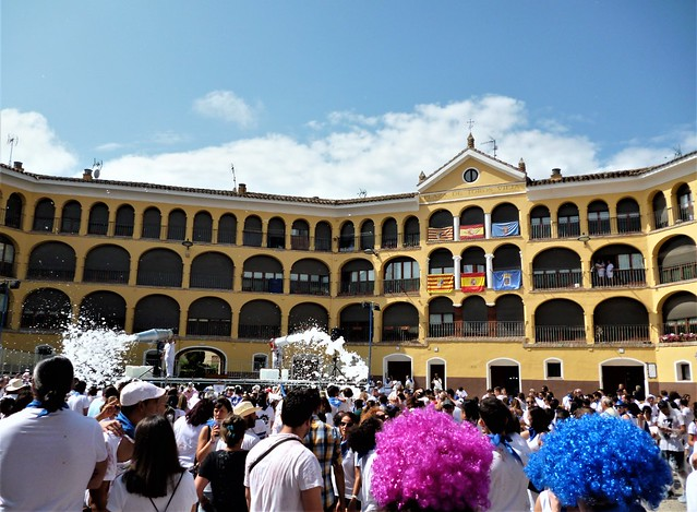 Plaza de Toros Vieja - Baño de espuma en las fiestas de Tarazona