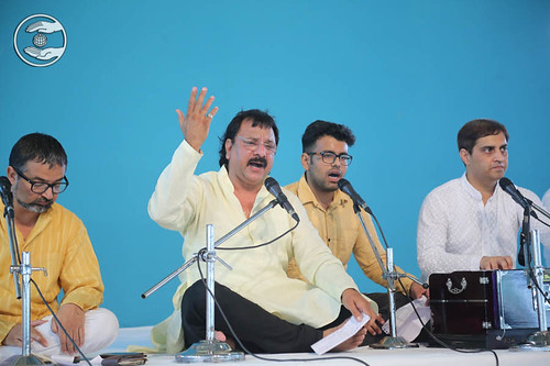 Devotional song by Arora Bandhu, Faridabad, HR