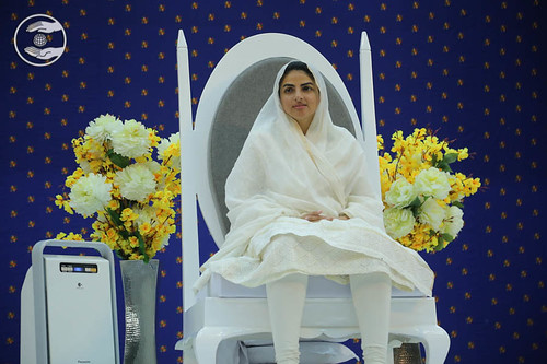 Satguru Mata Sudiksha Ji Maharaj gracing the sacred seat on the dais