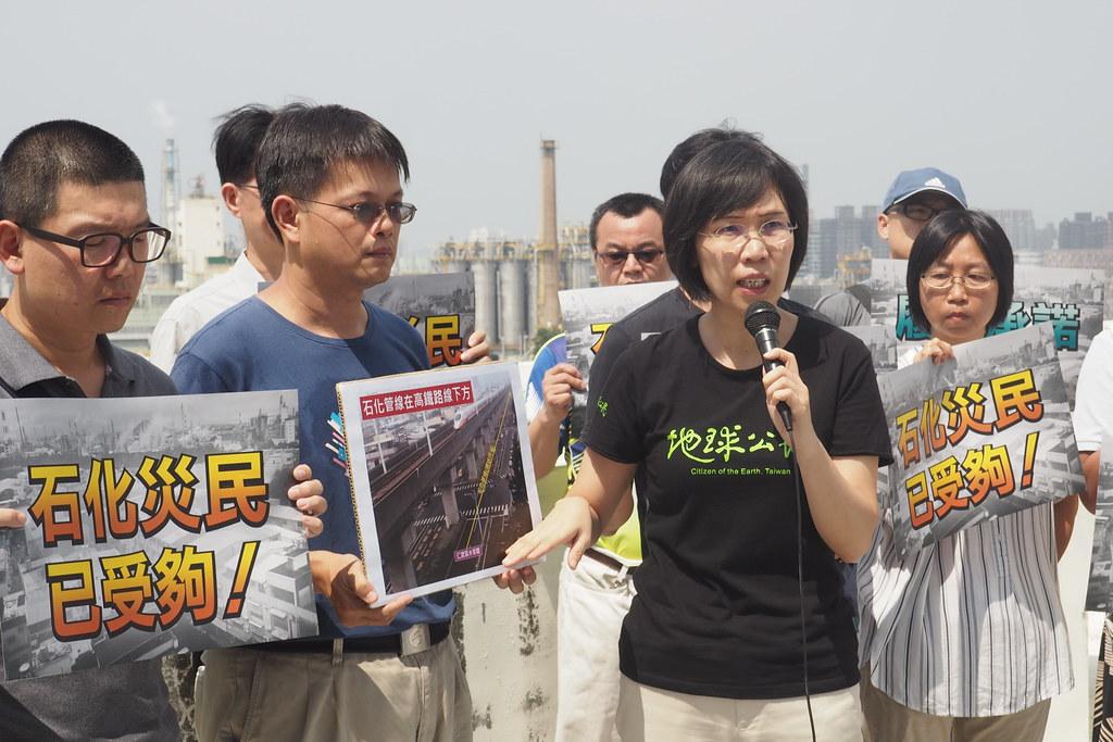 王敏玲指出,石化管線在高鐵行駛路線的地下跑,恐成不定時炸彈。攝影:李育琴