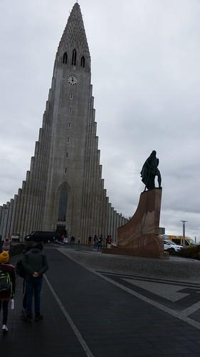 Hallgrímskirkja and Leif