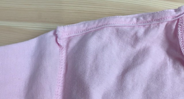 Camiseta Nike Sportswear Club Rosa costura rotada