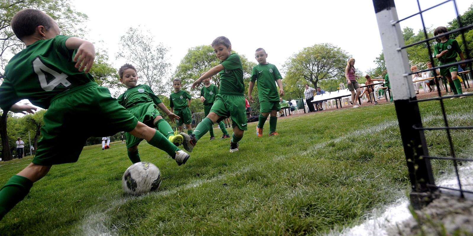 Három új focipálya épül Szegeden