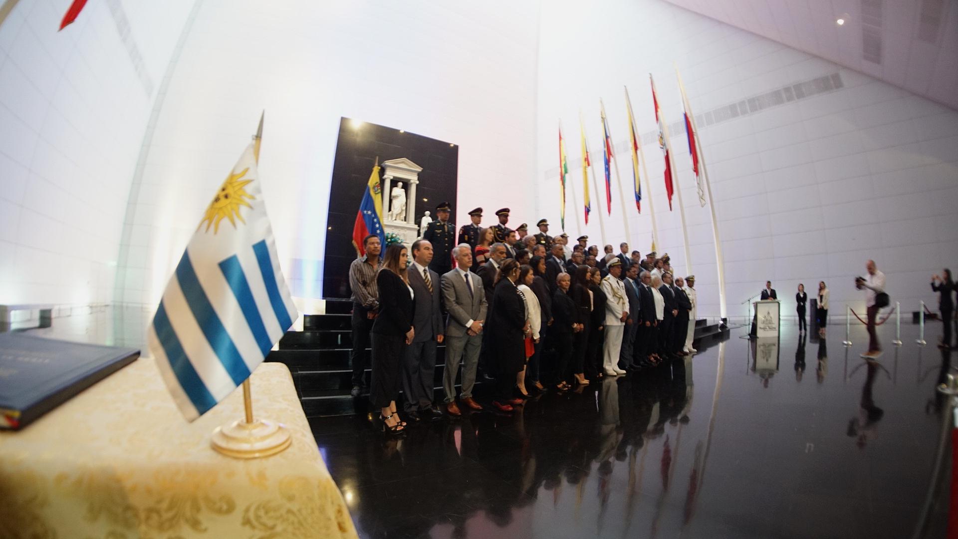 En Caracas Embajada de Uruguay conmemora 194 aniversario de la Declaración de su Independencia