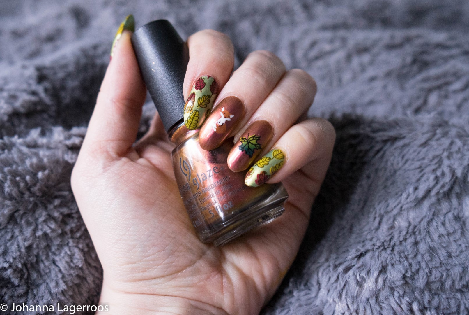 Stamped autumn nail
