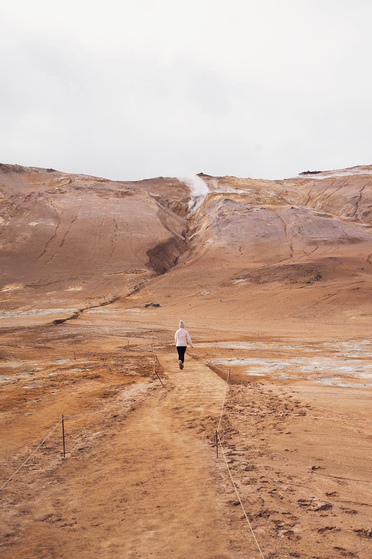 02myvatn-hverir-geothermal-iceland-travel