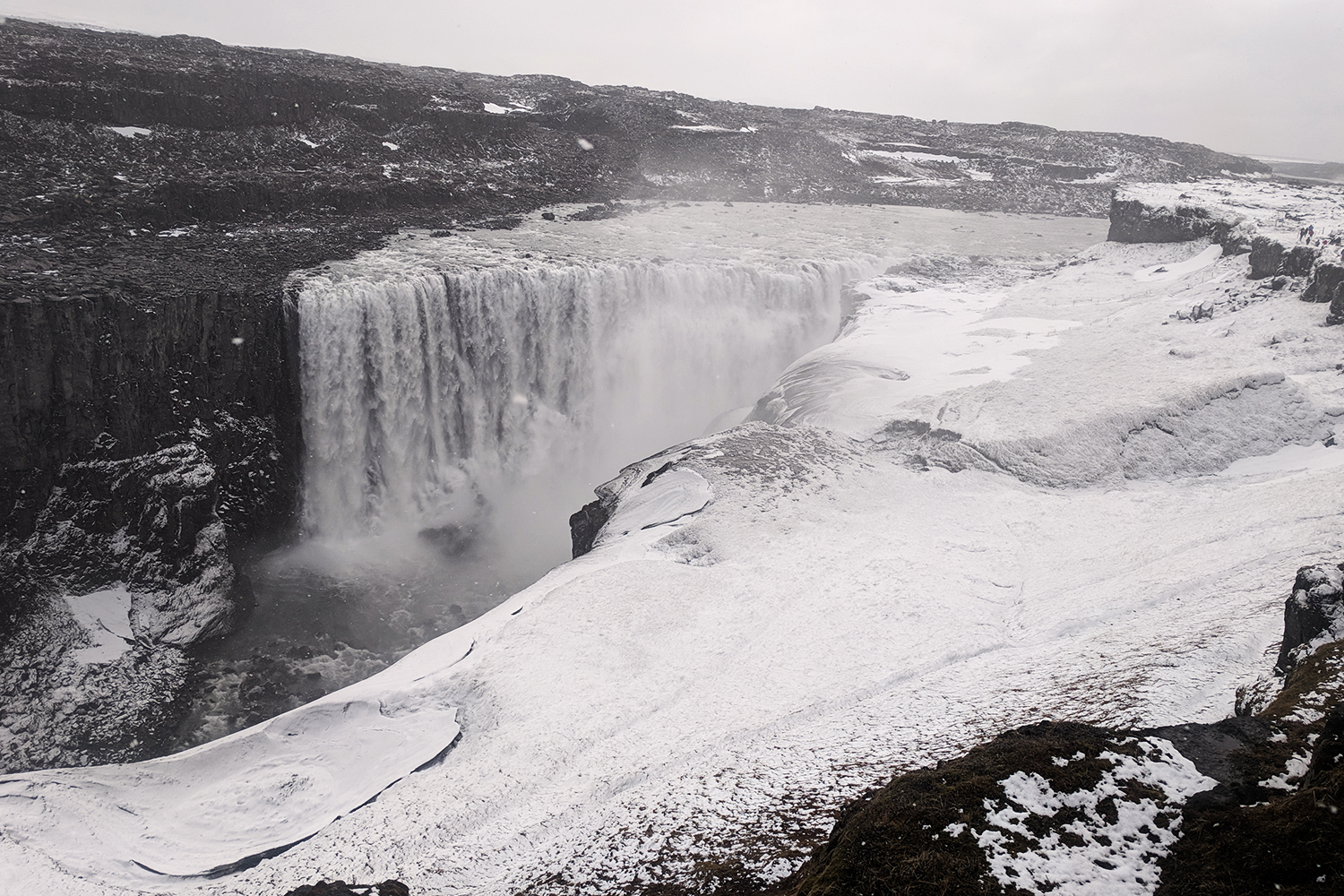 33dettifoss-waterfall-iceland-travel