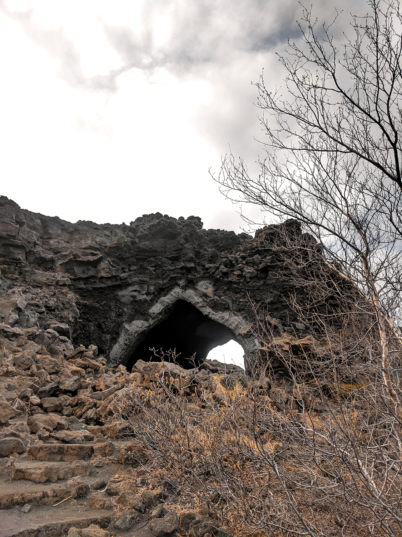 21myvatn-dimmuborgir-kirkjan-cave-lavafield-iceland-travel