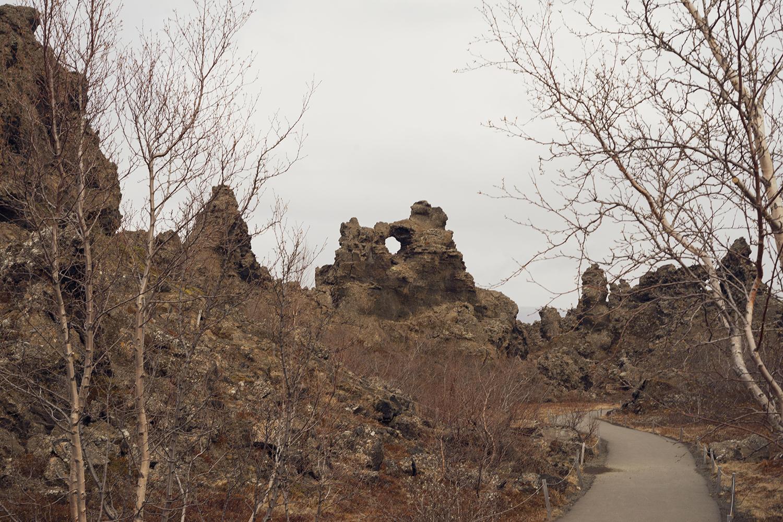 18myvatn-dimmuborgir-volcanic-lavafield-iceland-travel