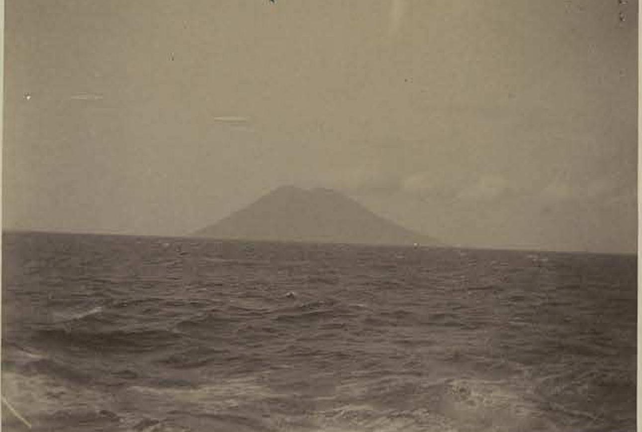 Вулкан Стромболи в Средиземном море