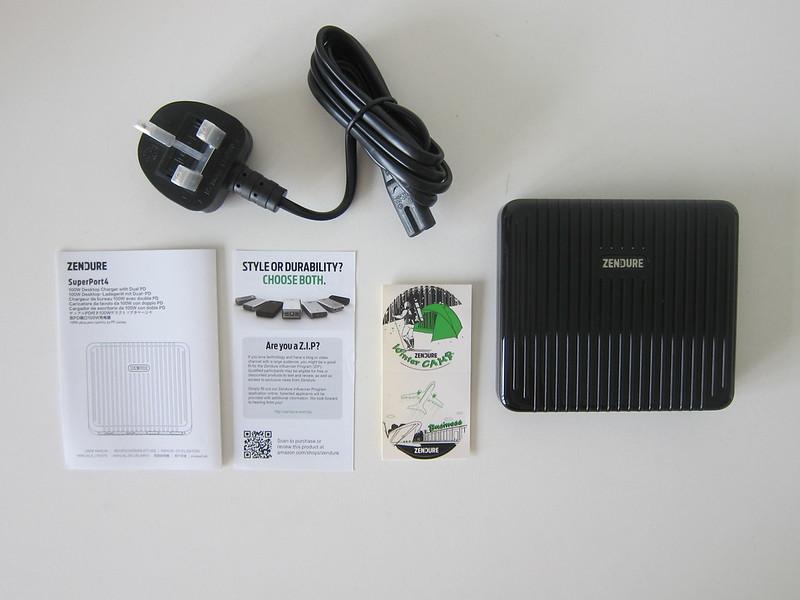 Zendure SuperPort 4 - Box Contents