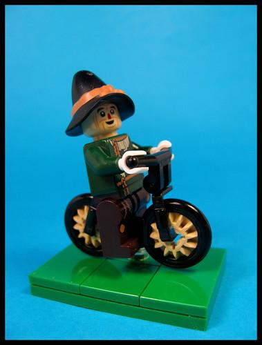 Scarecrow ona Bike