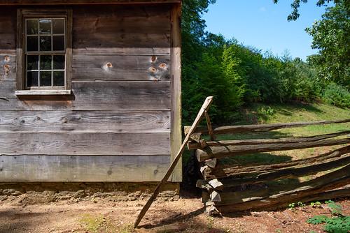 wood house schoolhouse fence window woodgrain landscape osv osvorg sturbridge oldsturbridgevillage grain siding clapboard pentax k1 pentaxk1