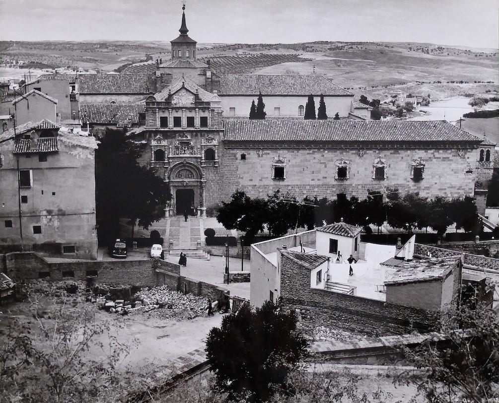 Solar de la Posada de la Sangre y Hospital de Santa Cruz en Toledo en 1964. Fotografía de Anno Wilms © Stiftung Anno Wilms, Berlin