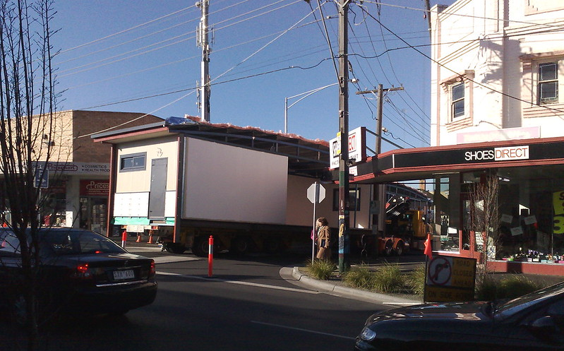 Moving a portable through Bentleigh, August 2009