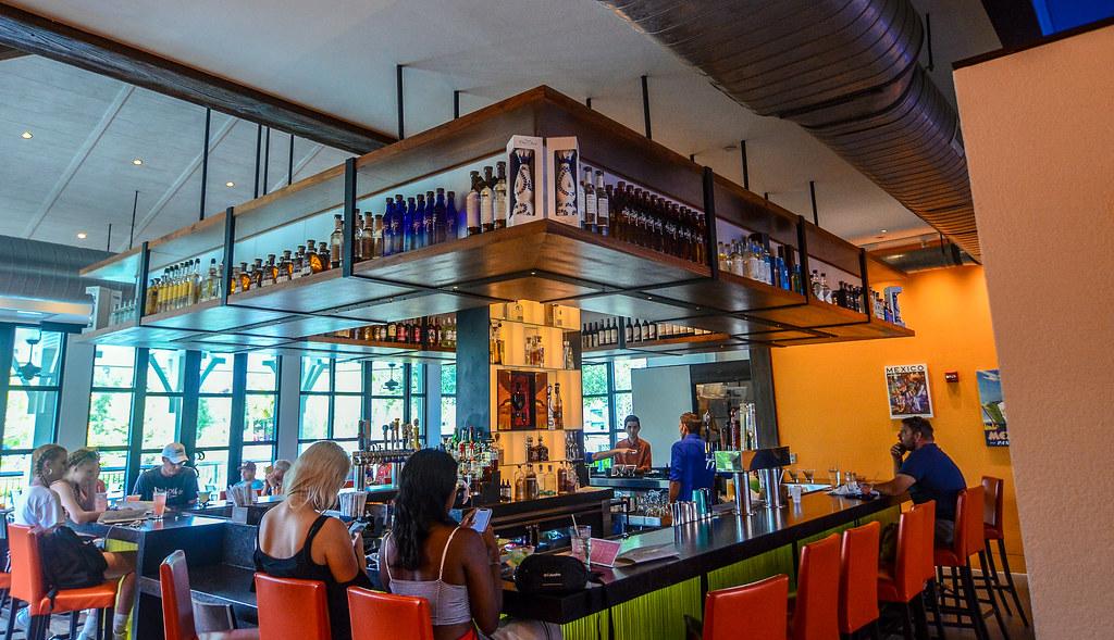 Frontera Cocina bar