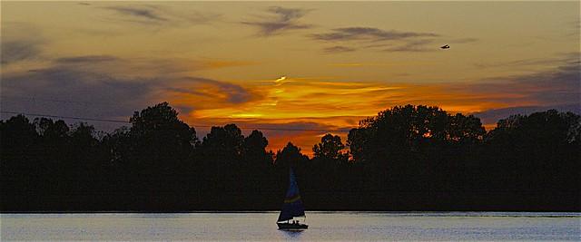 Sunset At Creve Coeur Park