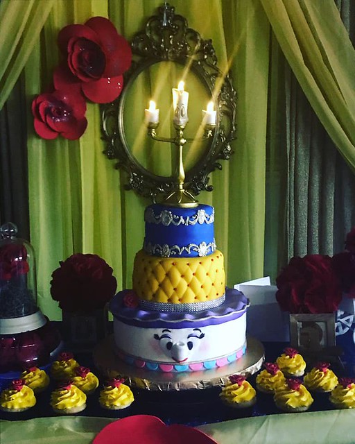 Cake by Boss10 Cupcakes