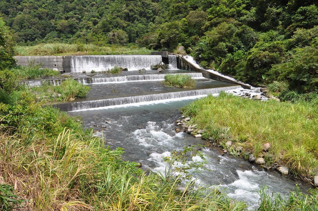 粗坑溪水源充足,為自來水公司與農田水利會取水口。孫文臨攝