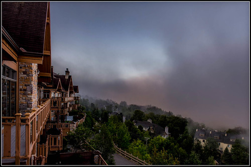monttremblant august summer latesummer lifting fog villa chalet skichalet morning sunrise