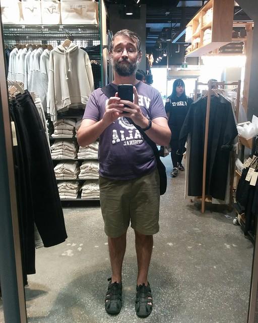 Me, mirrored at Muji #toronto #yongeanddundas #muji #mujicanada #mujiatrium #mirror #me #selfie