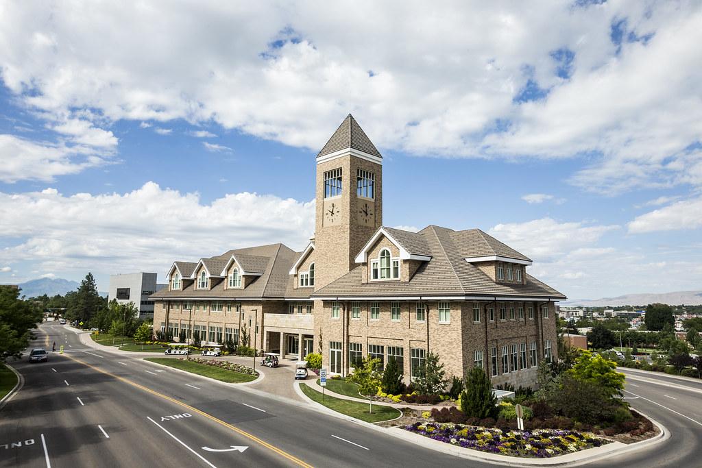 Hinckley Alumni and Visitors Center