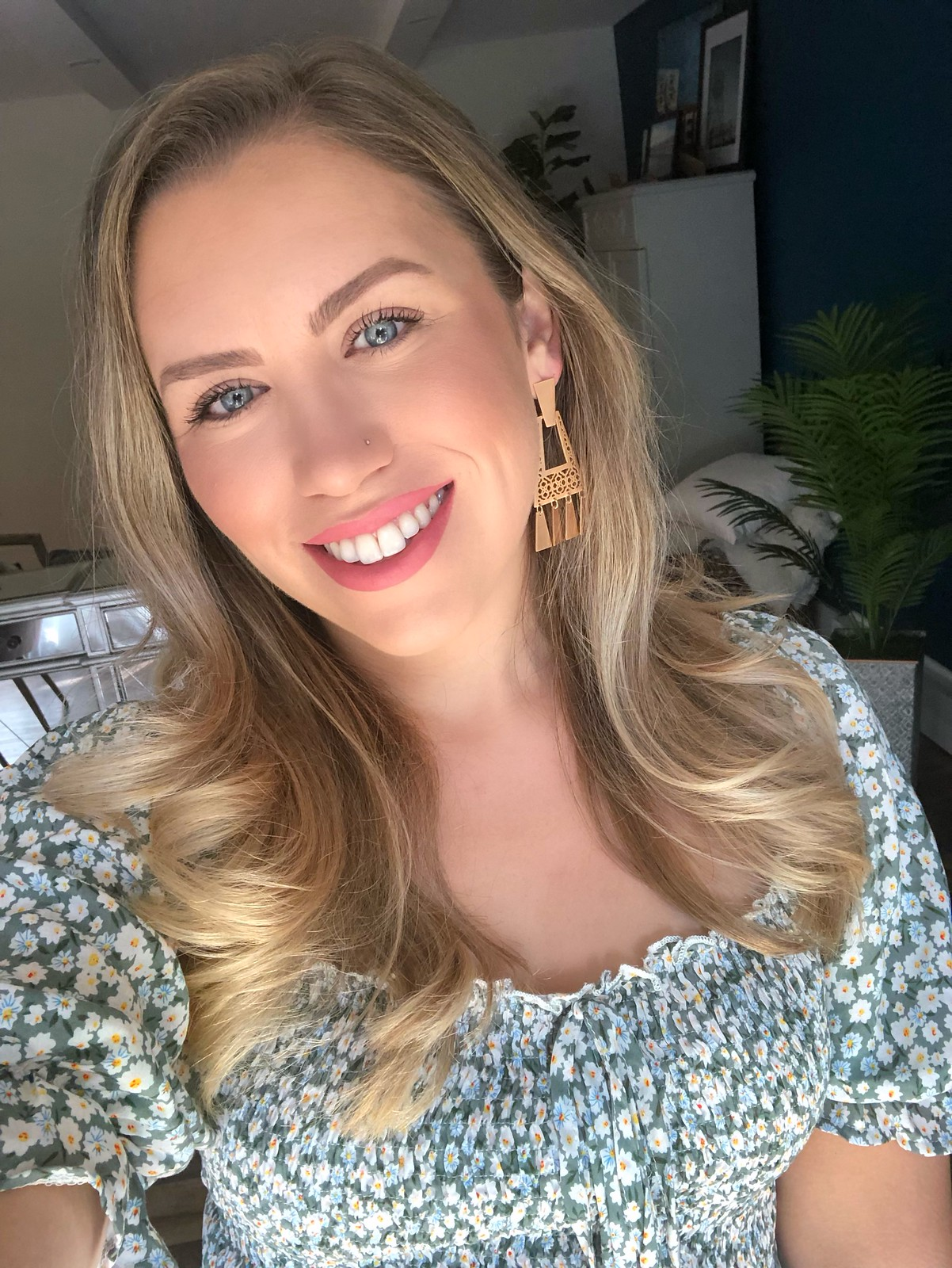 Everyday Makeup Jackie Giardina | Kendra Scott Kase Bright Silver Fringe Earrings | August 2019 Round Up