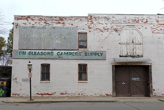 Don Gleasons Campers' Supply