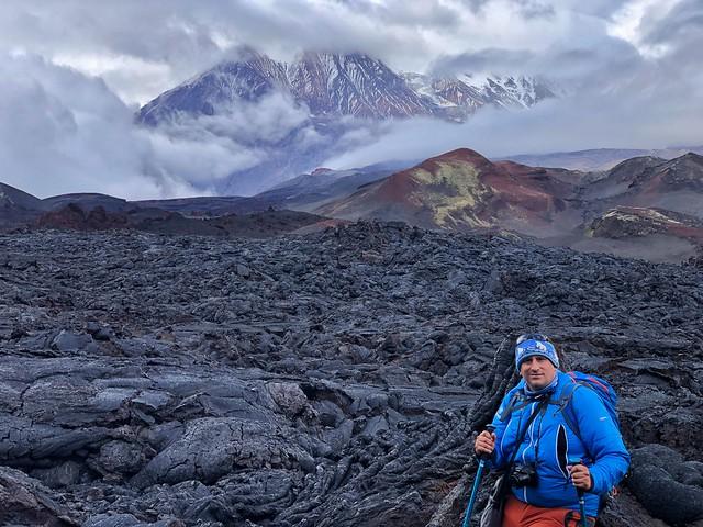 Sele en la colada de lava del volcán Tolbachik en Kamchatka (Rusia)