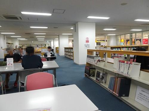 とやま駅南図書館