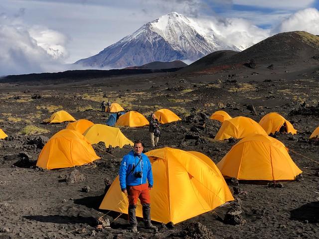 Sele en el campamento Marmota junto al volcán Tolbachik (Kamchatka, Rusia)