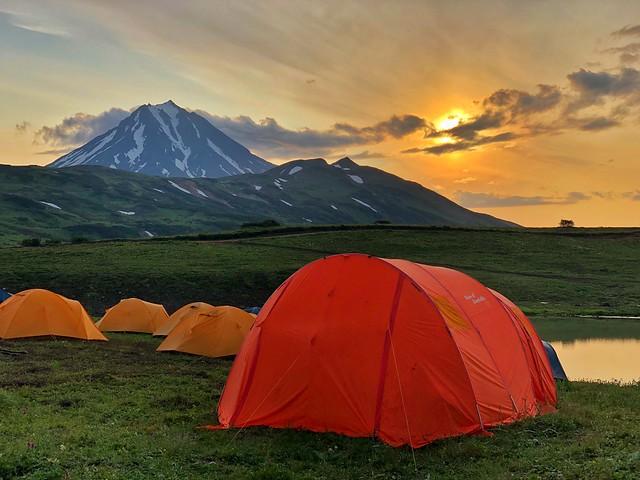 Campamento próximo al volcán Vilyuchinksy (Kamchatka)