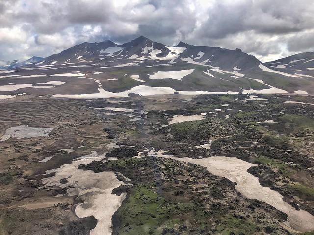Vista aérea de Kamchatka desde el helicóptero