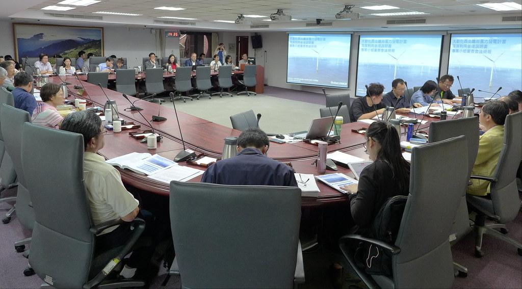 海審會今(30日),進行「大彰化西北離岸風力發電計畫」案專案小組初審會議