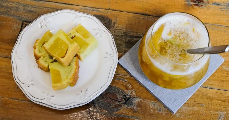 [美食] 台南 凰商號 隱身在西市場內的手作鳳梨冰茶!搭配地瓜蛋糕~ 美味點心!