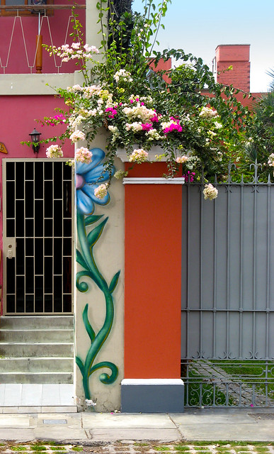 Doors and windows in Barranco