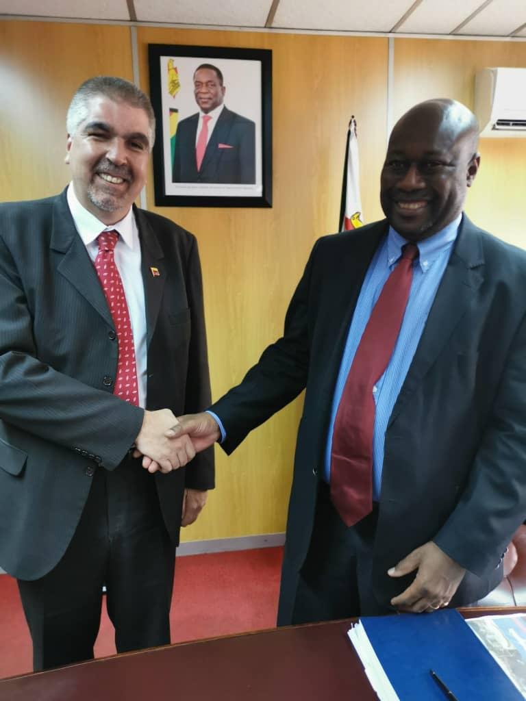 Viceministro Yuri Pimentel sostiene importantes reuniones de trabajo en Zimbabue
