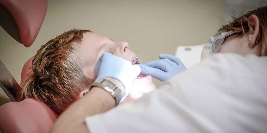 un-gel-qui-répare-les-dents