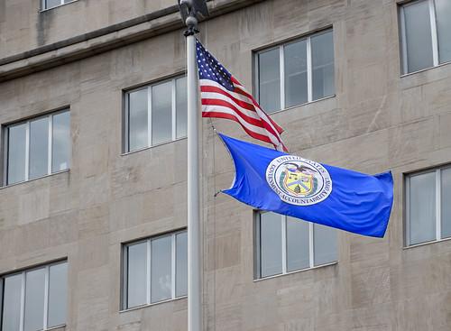 U.S. and GAO Flags -- GAO Building 441 G Street NW Washington (DC) August 2019