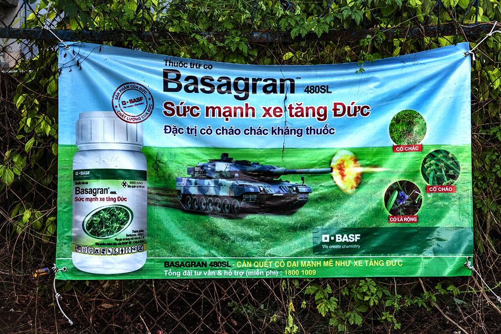 Weed killer having the Strength of a German Tank--Ea Kly
