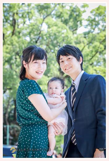 夏(8月)の初宮参り 赤ちゃんはピンクのベビードレス