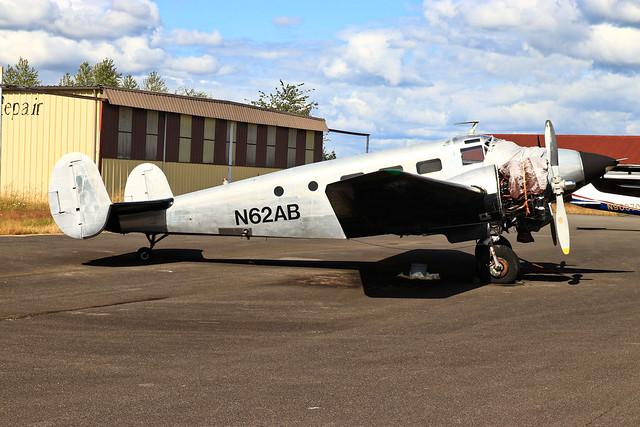 N62AB Beech 18 / C-45 at Toledo, WA