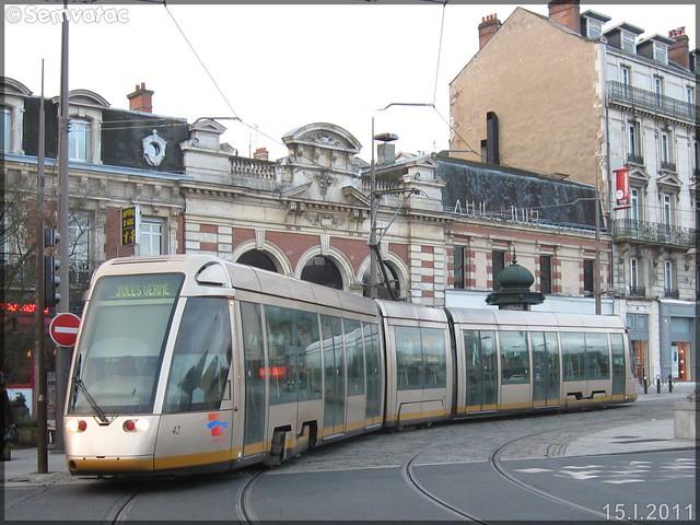 Alstom Citadis 301 – Semtao (Société d'Économie Mixte des Transports de l'Agglomération Orléanaise) (Transdev) / TAO (Transports de l'Agglomération Orléanaise) n°42