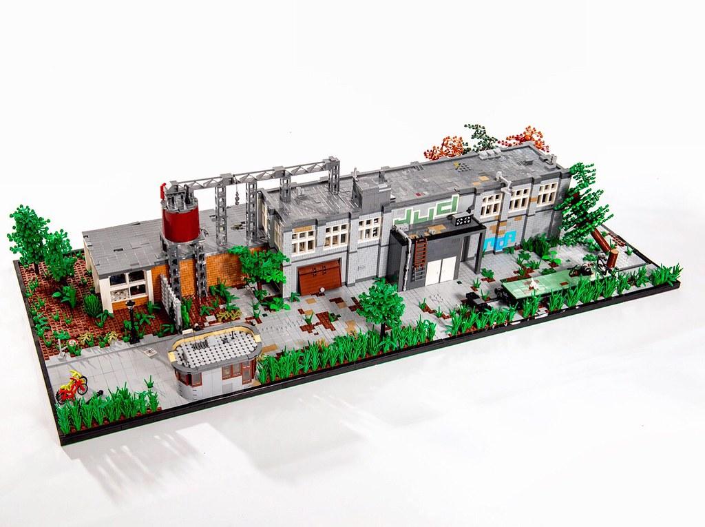 Abandoned old factory, lego MOC