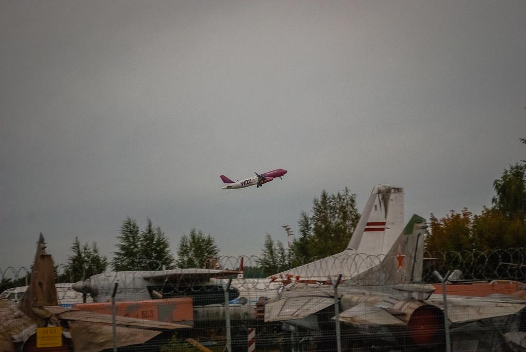 Old MIG plane! 06:43:25 DSC_3685