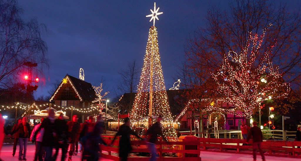 Kerstmarkt in Hannover: schaatsen in de zoo van Hannover (foto door: Christian Wyrwa) | Mooistestedentrips.nl