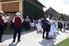 Ständchen im Hof des Heimathauses, zugleich Sozialstation und Forum der Billeder Deutschen